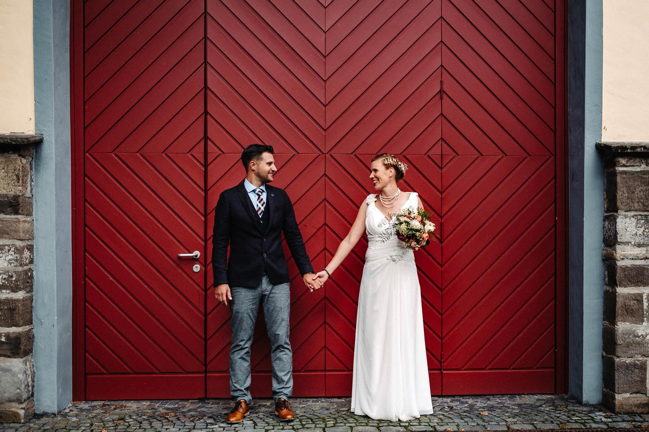 Hochzeitsfotograf_Koeln_Standesamt_Bonn_NRW_Hochzeitsreportage_Freie-Trauung_Brautpaarshooting