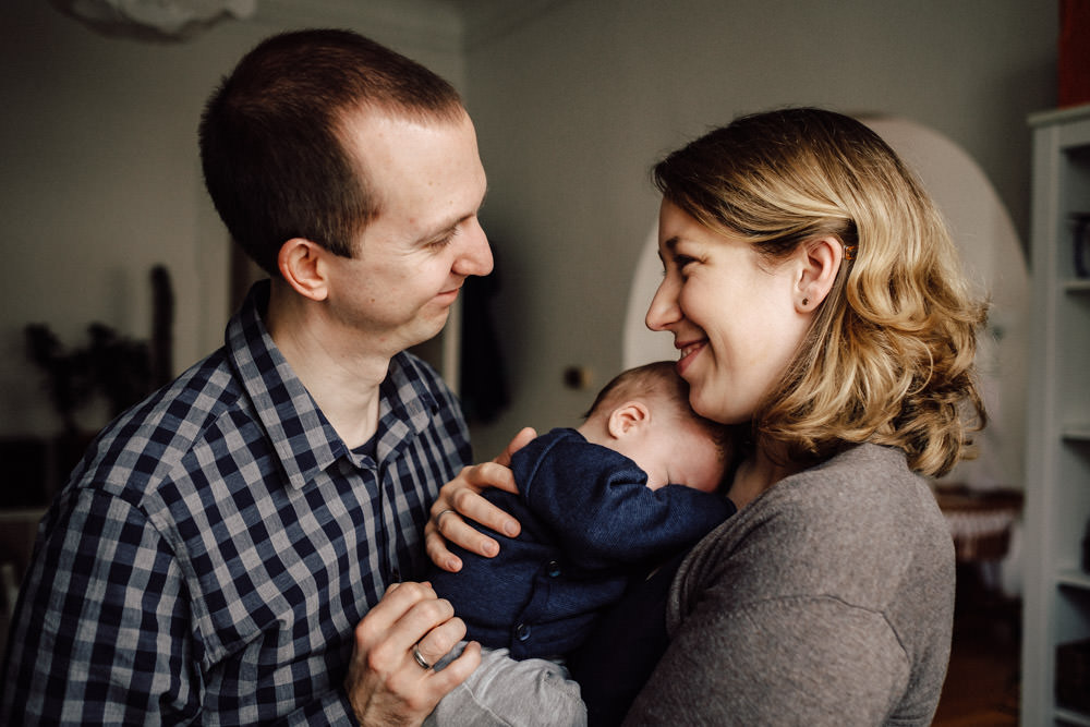 Familie mit Baby Reportage